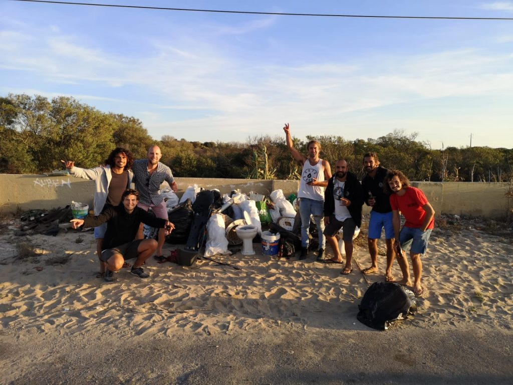 SurfaWhile Beach Clean Up Caparica with Gota